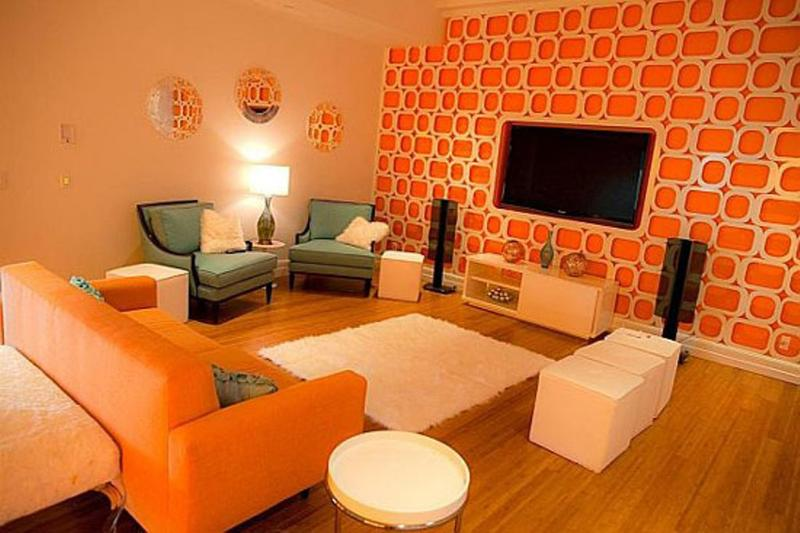 1507638343-funky-orange-living-room.jpg